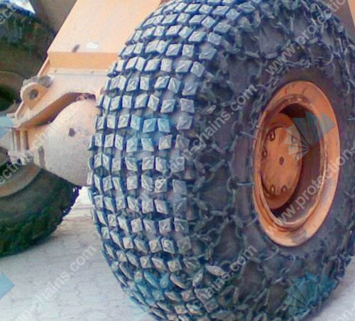 Steel mesh 6x6 type used on tractor tire chains